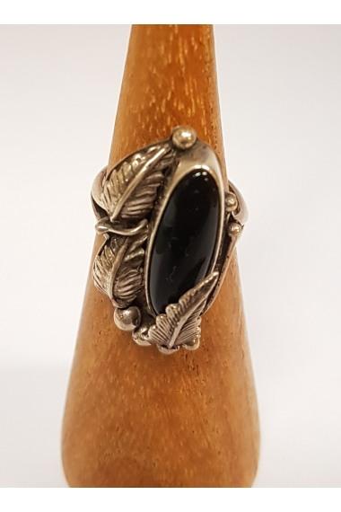 Indianischer Silberring mit einem Onyx und Feder